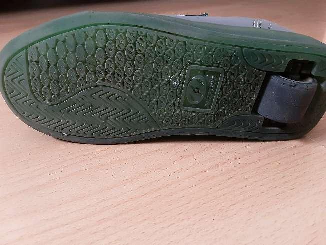Imagen producto Zapatos con ruedas Heelys 3