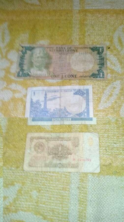 Imagen producto Billtes de varios paises 5