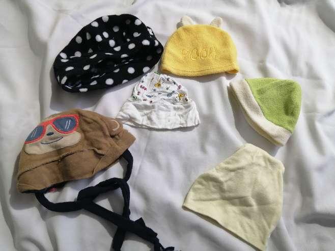 Imagen TODO $1 Gorritas de bebés (usadas)