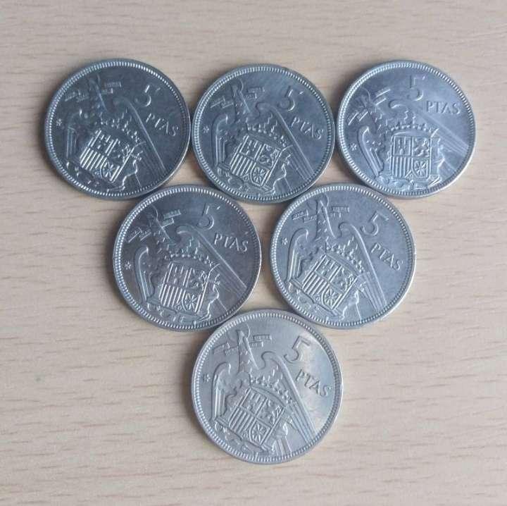 Imagen 6 Monedas de 5 pts de Franco. SC.