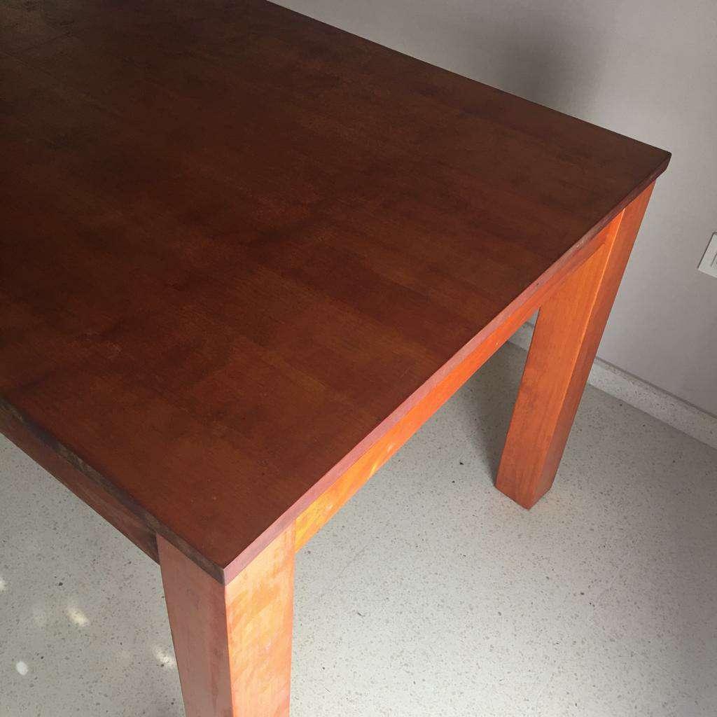 Imagen producto Vendo mesa de madera maciza en perfecto estado 2