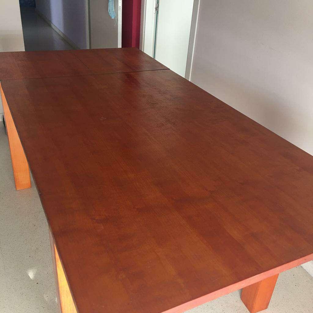 Imagen producto Vendo mesa de madera maciza en perfecto estado 3