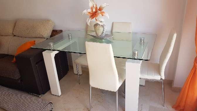 Imagen mesa cristal semi nuevo