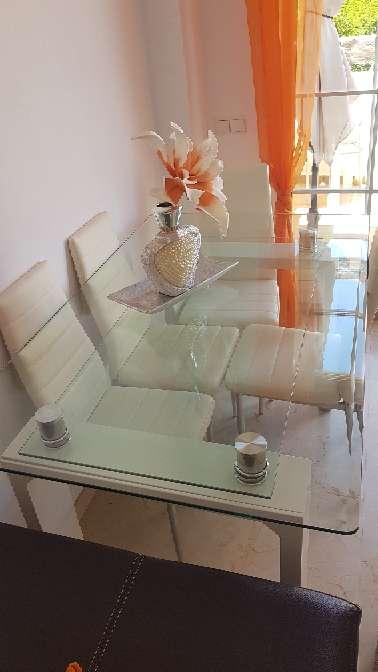 Imagen producto Mesa cristal semi nuevo 2
