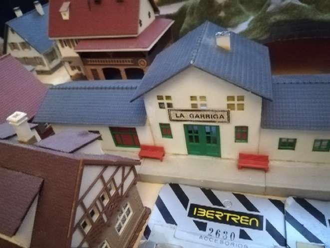 Imagen producto Vendo casitas montañas granja muñecos para ibertren ho  1