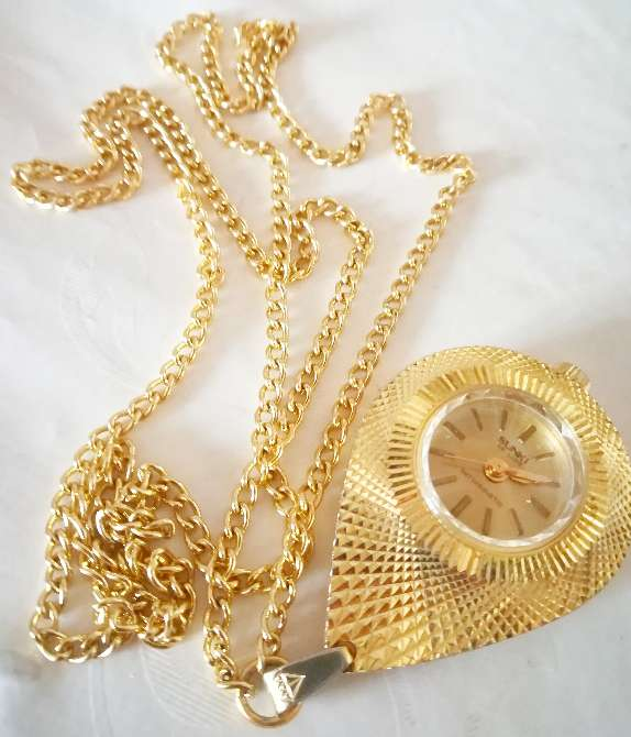 Imagen Precioso reloj de cuerda con colgante