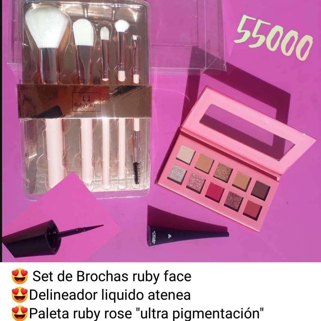 Imagen producto Kit de maquillaje  3