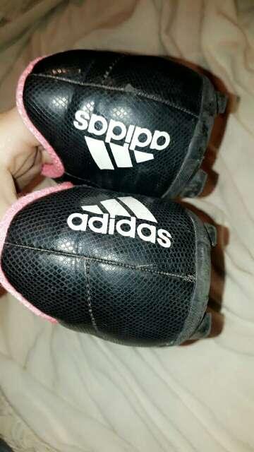 Imagen producto Botines de fútbol para mujer 2