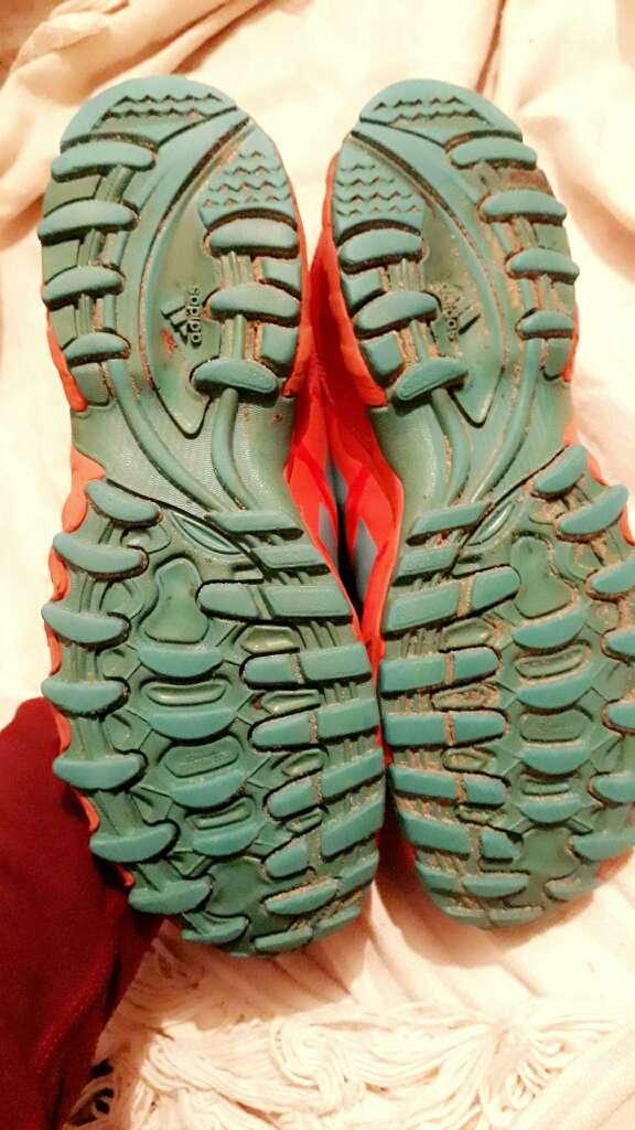 Imagen producto Botines de hockey para hombre o mujer, Adidas  4