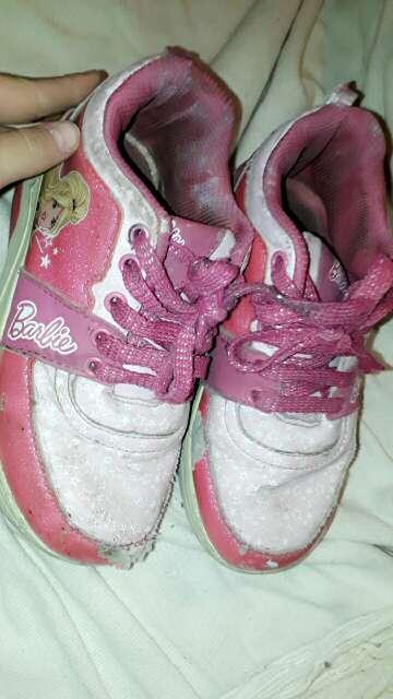 Imagen zapatillas de Barbie con ruedas