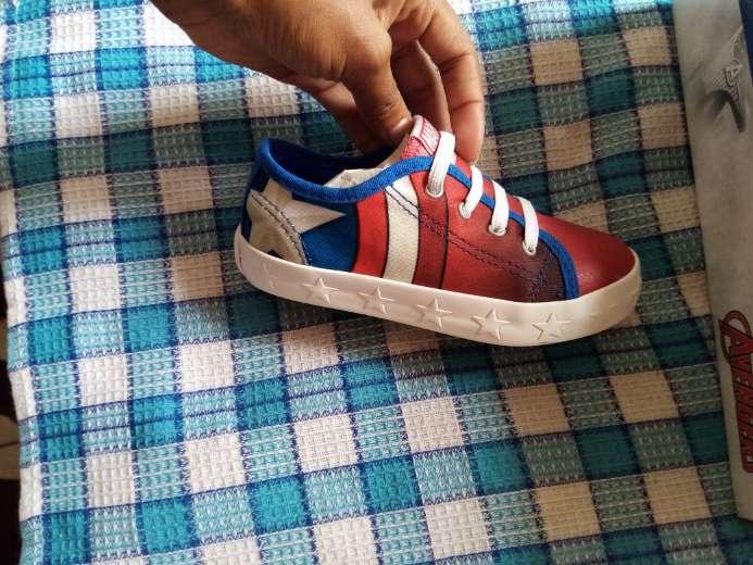 Imagen producto Lindos zapatos de super eroes para niños  4