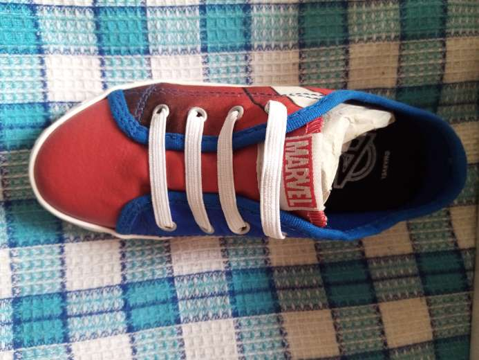 Imagen producto Lindos zapatos de super eroes para niños  2