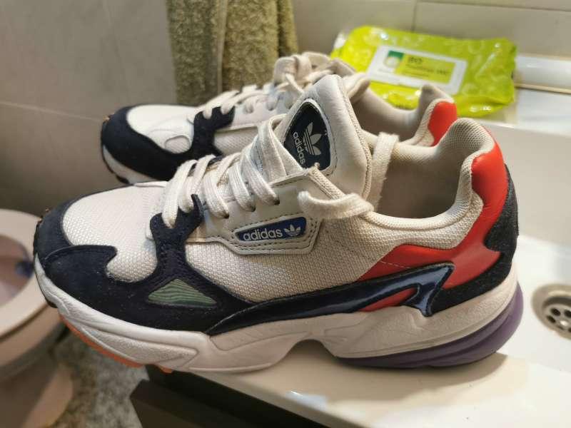 Imagen zapatillas adidas torsion