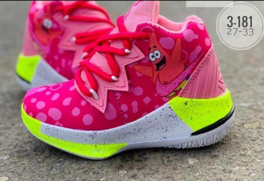 Imagen zapatos  de niña y niño