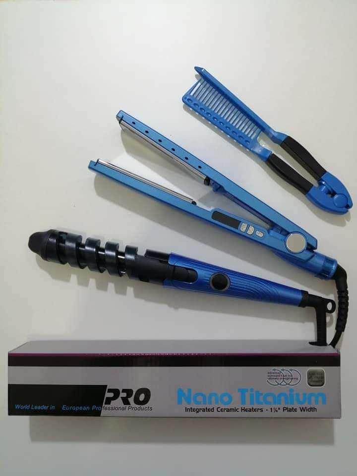 Imagen Kit nano titanium (plancha, ondulador y peine) 115 soles