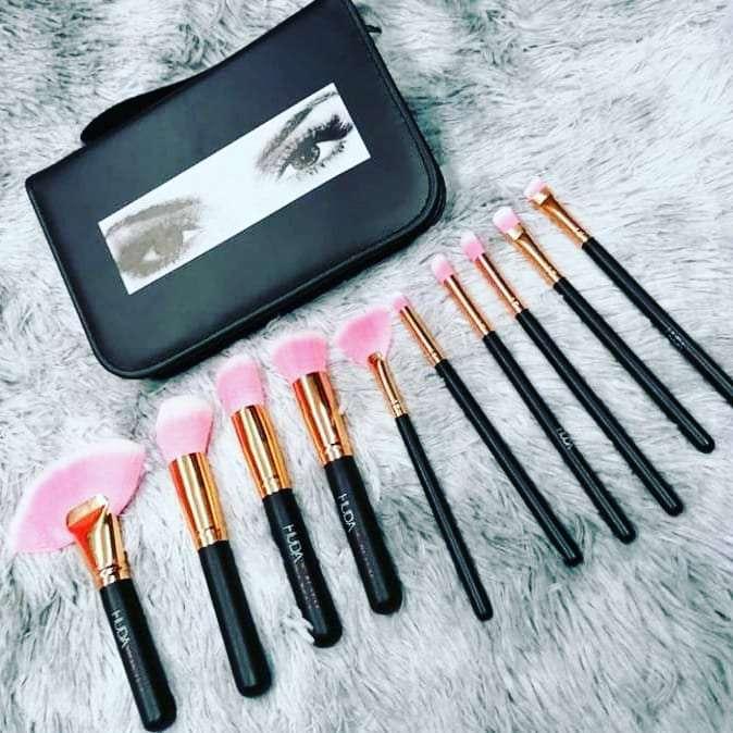 Imagen brochas para maquillaje