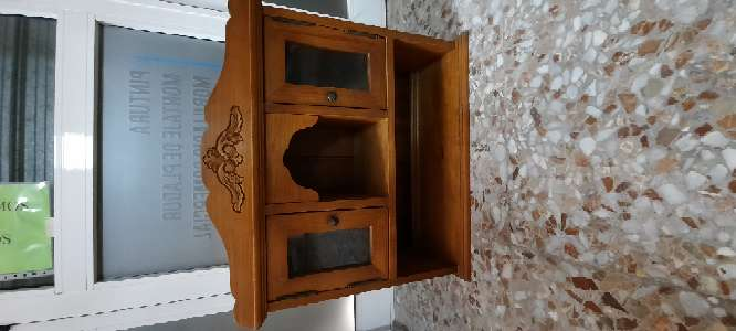 Imagen mueble de pino macizo