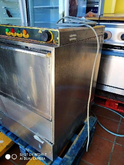 Imagen línea blanca lavavajillas industrial hosteleria