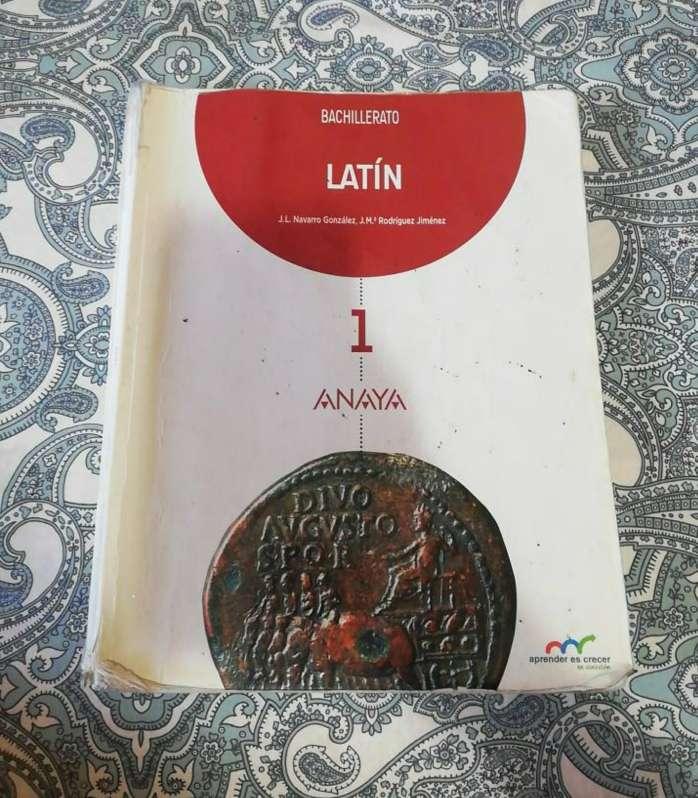 Imagen Libro de Latín