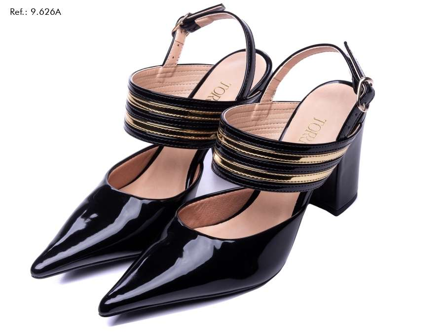 Imagen producto Scarpin, uma bota cano curto, uma mochila,e uma mule, uma bolsa, um scarpin, uma sapatilha, um vestido. 9