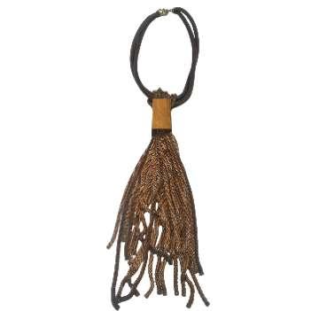 Imagen Collar de cuero y flecos