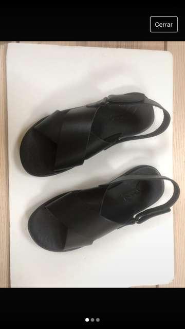 Imagen sandalias de piel de caballero