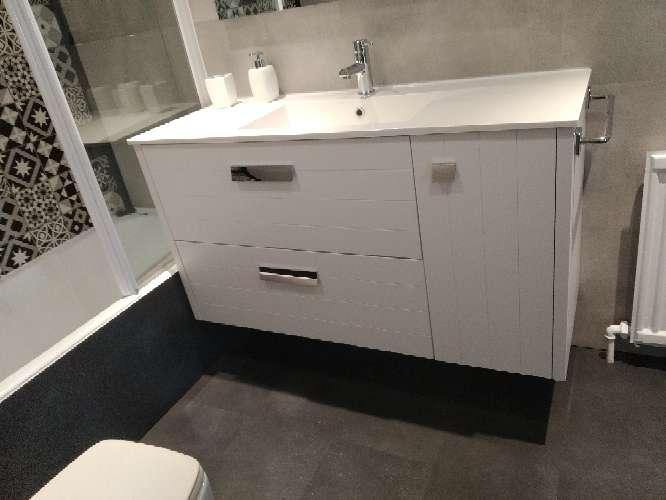 Imagen Mueble baño blanco