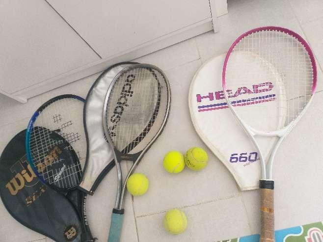 Imagen lote de raquetas +pelotas