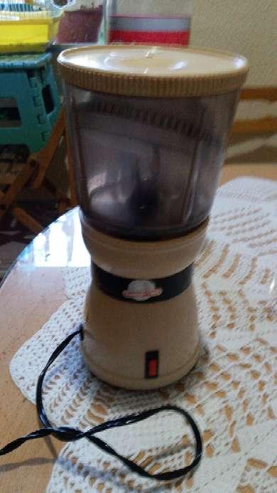 Imagen moliniño antiguo para moler cafe