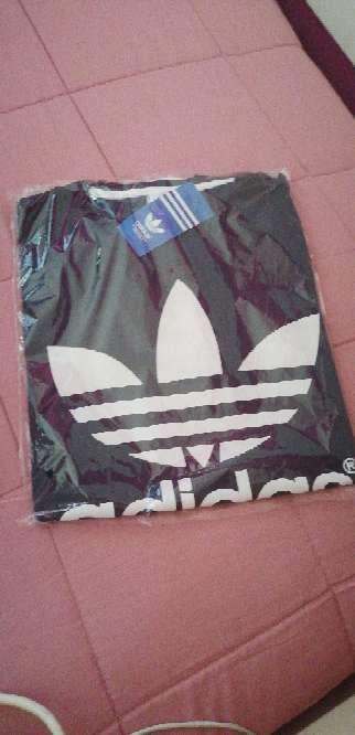 Imagen Camiseta adidas