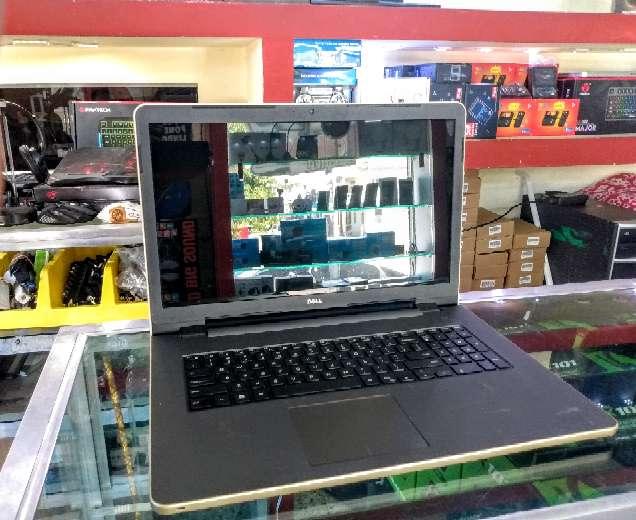 Imagen laptop DELL AMD