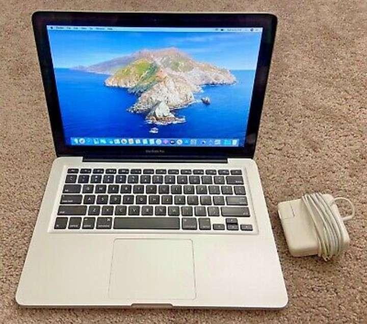Imagen MacBook Pro 13, 16GB RAM. 1TB