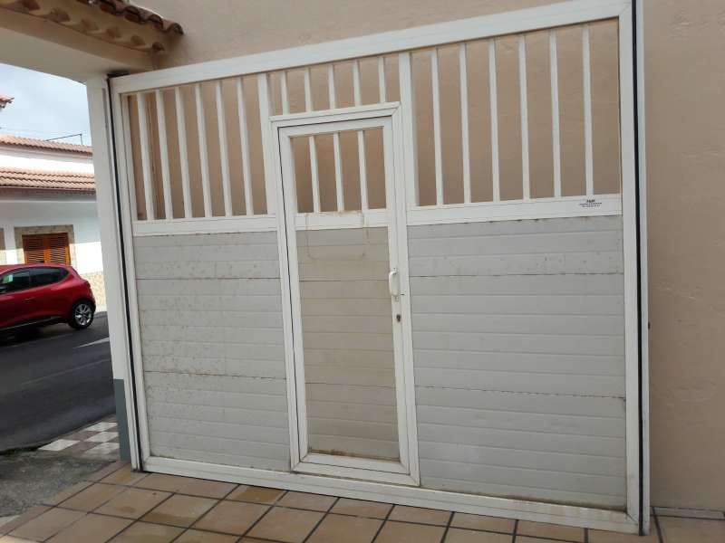 Imagen producto Puerta de garaje automática 2
