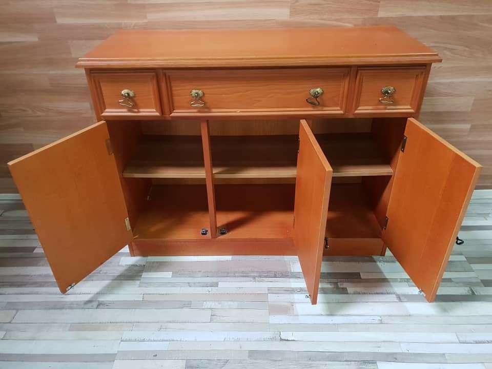 Imagen producto Mueble aparador barnizado 5