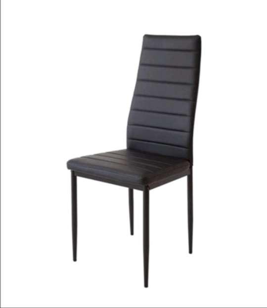 Imagen Conjunto de 4 sillas y mesa
