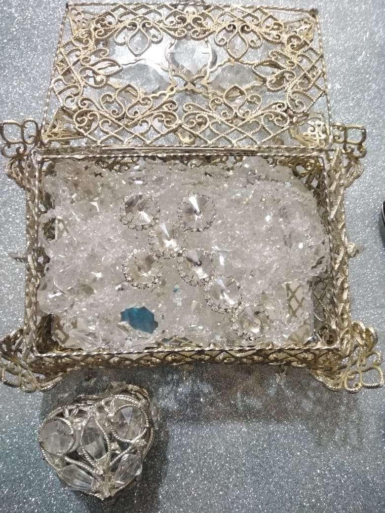 Imagen producto Ajuar de boda accesorios lazo copas cofre arras con monedas. 3