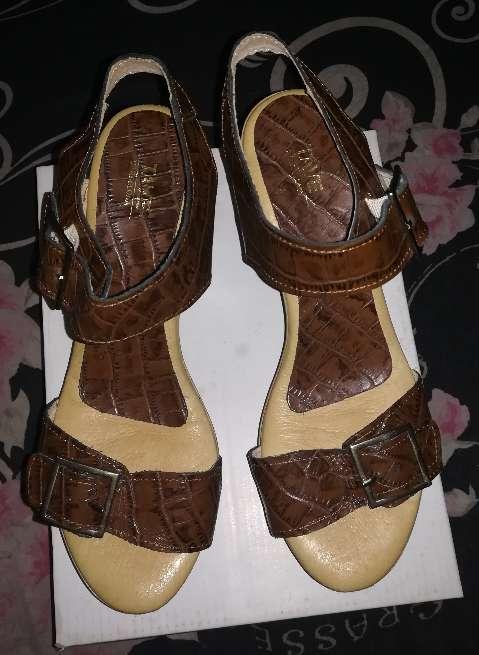 Imagen producto Zapatos nuevos TAVE 3
