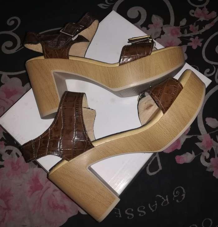 Imagen Zapatos nuevos TAVE