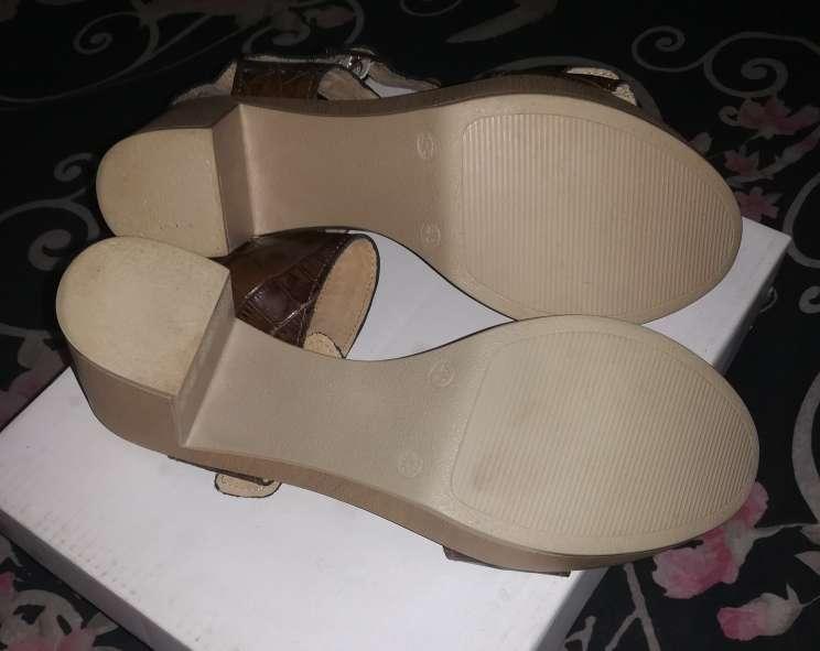 Imagen producto Zapatos nuevos TAVE 2