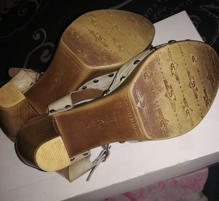 Imagen producto Zapatos Beige 3
