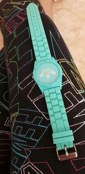 Imagen reloj color menta