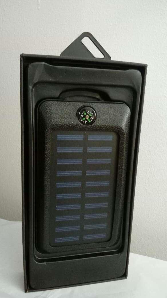 Imagen Cargador portatil solar