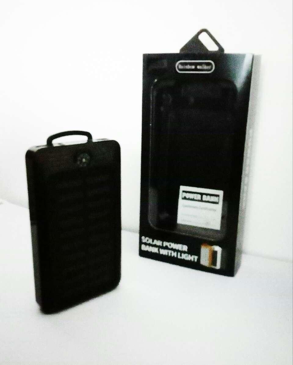 Imagen producto Cargador portatil solar 2