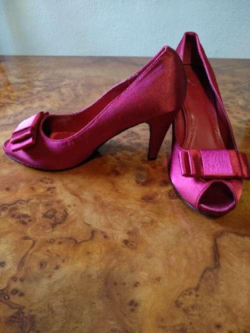 Imagen zapatos de mujer.