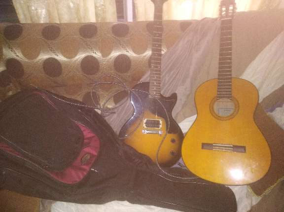 Imagen 2 Guitarras yamaha C70 clasica flamenca y epiphone eléctrica principiante