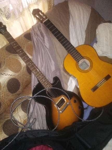 Imagen producto 2 Guitarras yamaha C70 clasica flamenca y epiphone eléctrica principiante 2