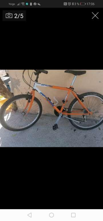 Imagen bici. 30 euros y maquita bebe 30 euroe