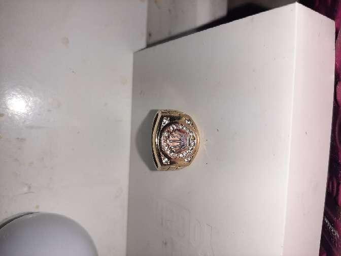 Imagen anillo de oro de 18k