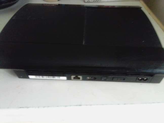 Imagen PlayStation 3(PS3) con un Mando y 3 Juegos