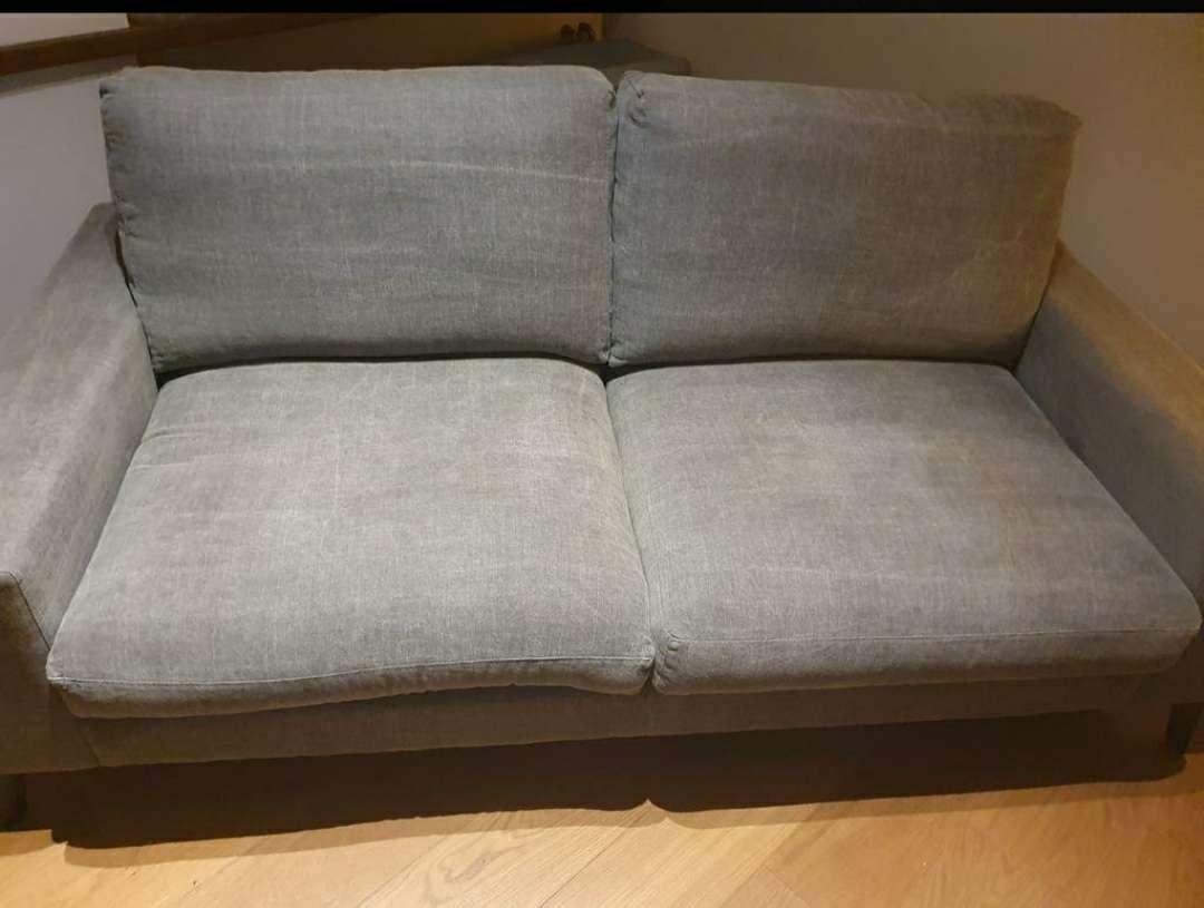 Imagen producto Sofa color gris con patas negras 2